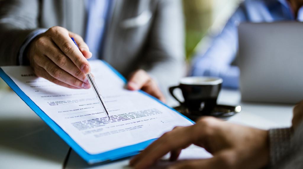 انواع قراردادهای بینالمللی و کاربرد آنها در دنیای تجارت